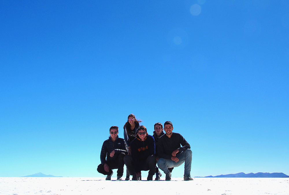 web and sun webandsun bolivie salar d'uyuni antoine et sophie équipe groupe copains désert de sel